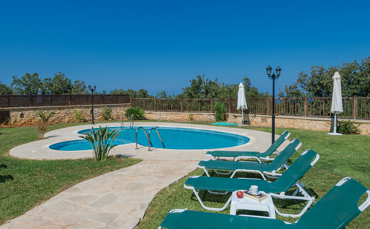 Gerani villas in gerani rethymno - Swimming pool area ...
