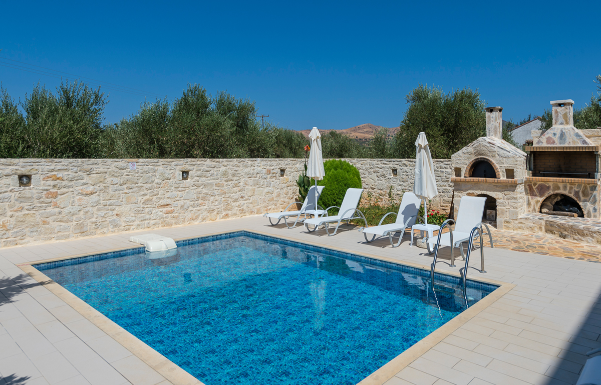 Villa lithos in panormo rethymno for Swimming pool area