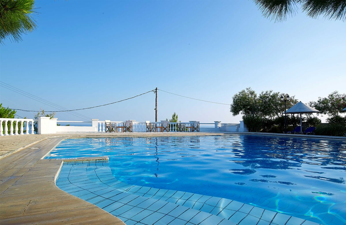 Chc aroma creta in ierapetra lasithi for Swimming pool area