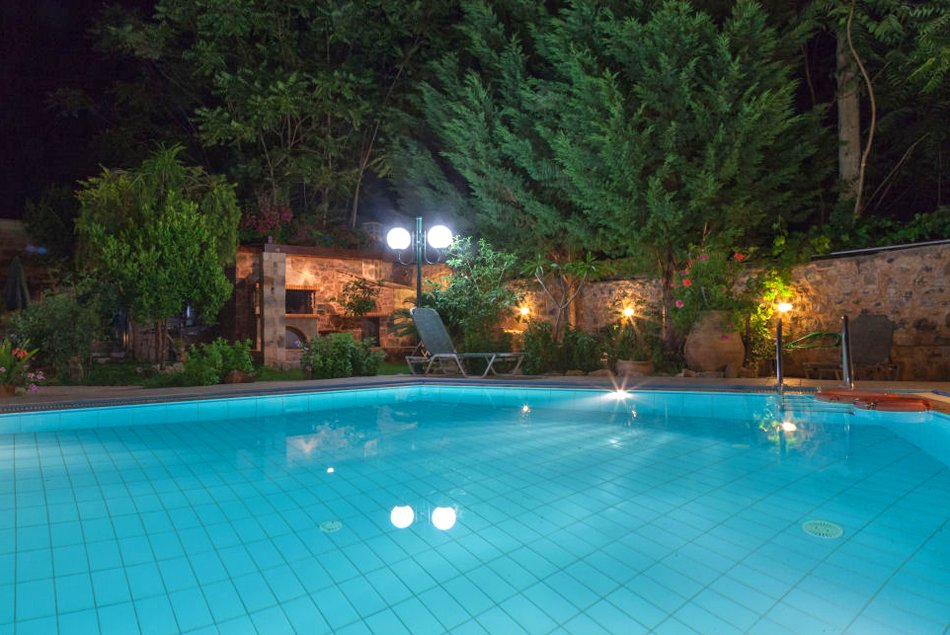 Facilities of villa rustica in bali for Swimming pool area