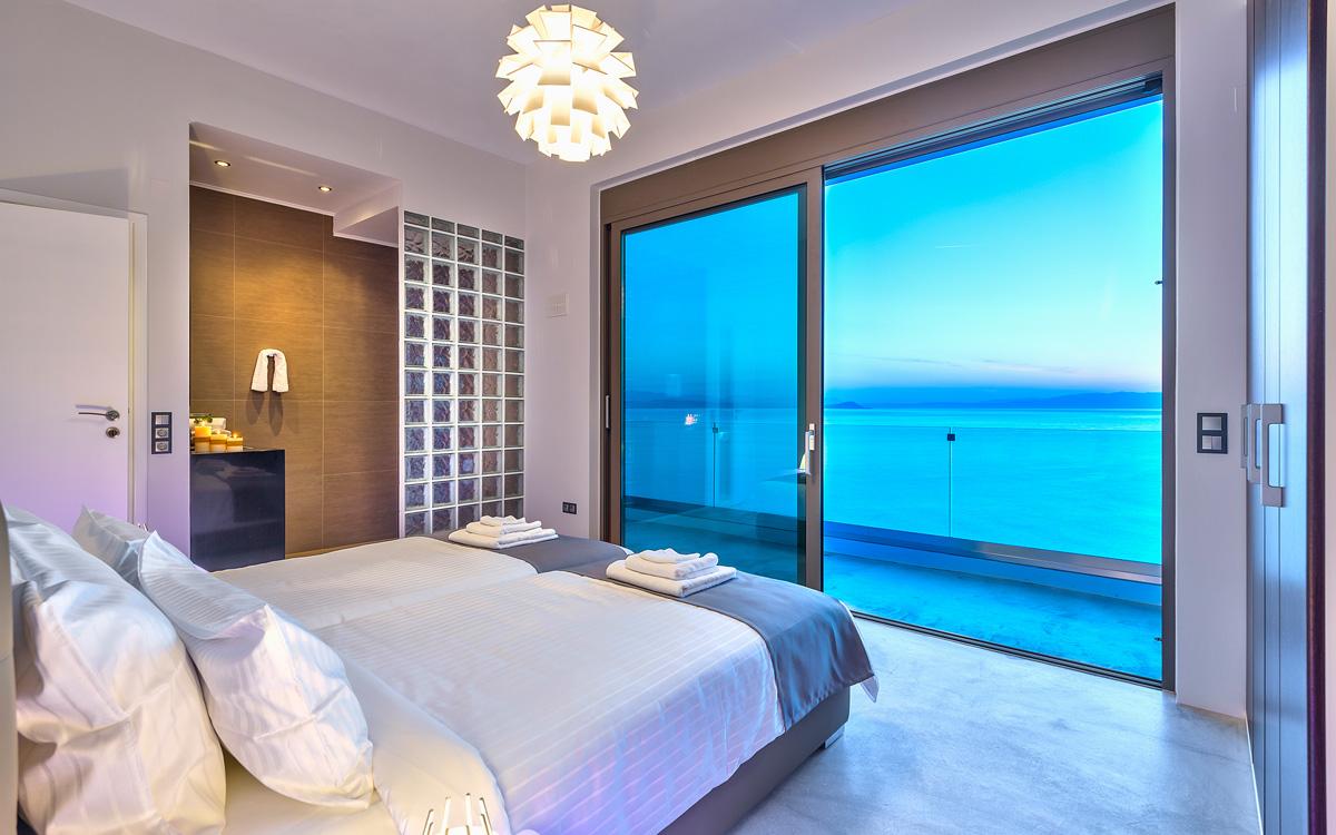 Комната с видом на море фото