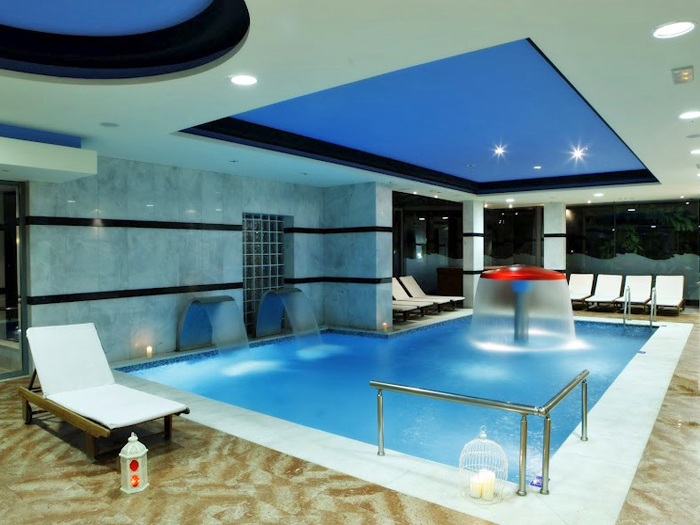 Hotel avec piscine privee par chambre for Cash piscine 21