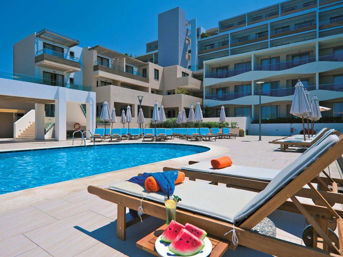 Iolida Beach Hotel In Agia Marina Chania Thehotel Gr