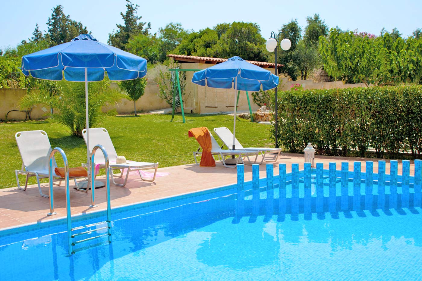 Villa colorful in agia marina chania for Swimming pool area