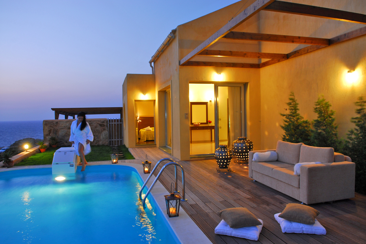 Accommodation of chc sea side resort spa in agia pelagia for Hotel with private swimming pool