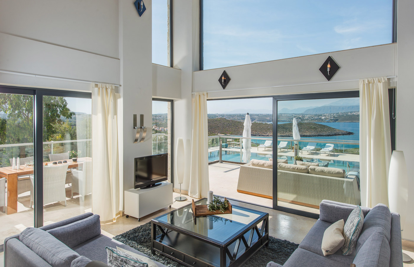 Athena villas in tersanas chania for Living room view