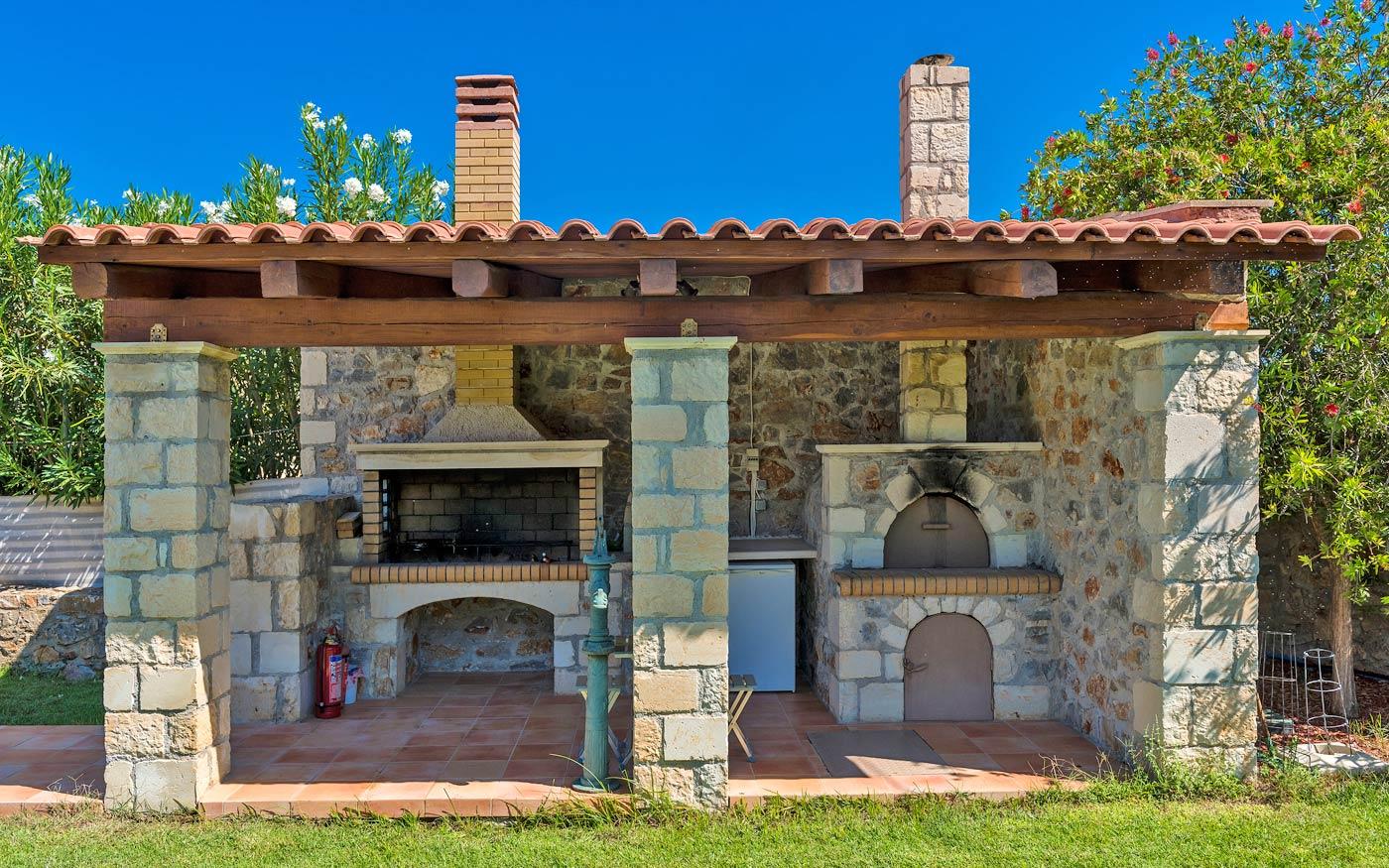 Außenküche Mit Pizzaofen : Außenküche u außen leben