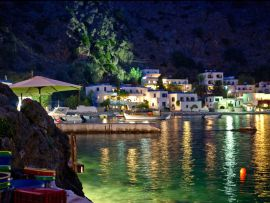 loutro-by-night