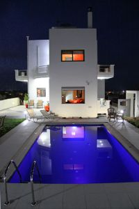 Pretty Villa, Platanias, pool-by-night-1