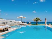 Beachfront Villa in Kreeta, Heraklion, Hersonissos