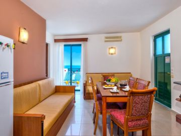 Seaview Apartment, Agia Marina