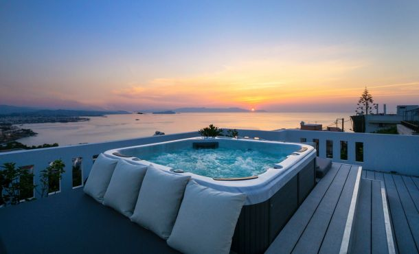 Rooftop Jacuzzi Apartment, Chania (Byen)
