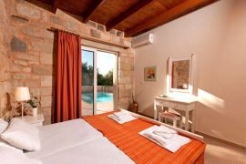 Lofos Village, Agia Marina, villa-bedroom-2