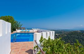 Villa Georgokastelo, Stalos, pool-view-1new