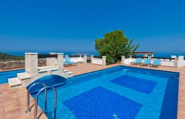 Villa Georgokastelo, Stalos, pool-view-3new