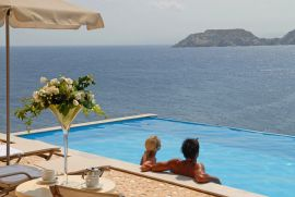 Sea Side Resort & Spa, Agia Pelagia, Sharing pool 1
