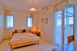 Flower Villas, Gerani, 3-bdm-double-bedroom-1