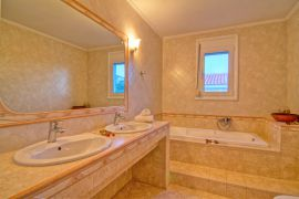 Flower Villas, Gerani, 3-bdm-bathroom-1