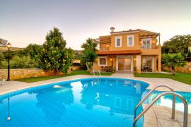 Flower Villas, Gerani, 3-bdm-swimming-pool-1
