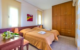 Corali Villas, Tavronitis, twin-bedroom-1a