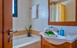 Corali Villas, Tavronitis, bathroom-1a