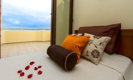 Villa On Top, Megala Horafia, upper floor twin bedroom2