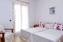 Villa Blossom, Megala Horafia, twin bedroom 1a