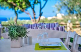 Carme Villas, Adelianos Kampos, restaurant views 1