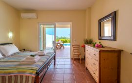 Villas Golden Beach, Agioi Apostoloi, double bedroom ground floor