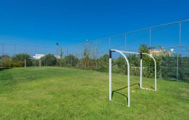 Villa Maria, Pigi, football-court
