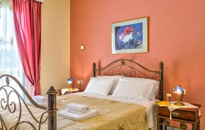 Villa Maria, Pigi, ground-floor-double-bedroom