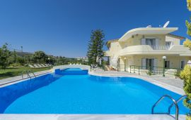 Villa Maria, Pigi, swimming-pool-area-1