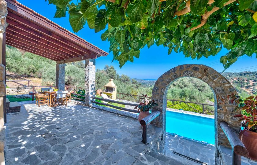 Villa Olive, Βουκολιές, villa-olive-mountain-view-2