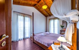 Villa Yannis, Астери, villa-yiannis-double-bedroom-upper-floor-1a