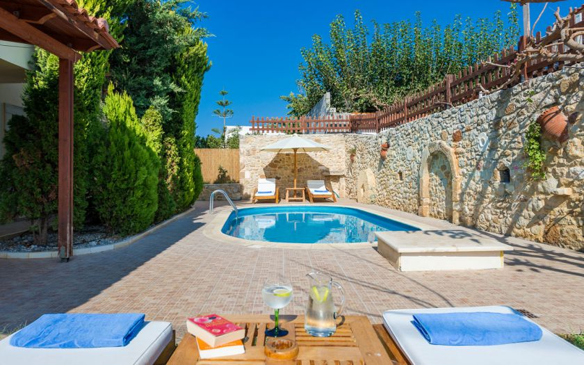 Villa Yannis, Asteri, lovely courtyard 1