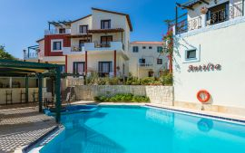 Antilia Apartments, Ταυρωνίτης, antilia-apartments-swimming-pool-1c