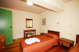 Aloni Suites, Kalathas, Aloni Suites twin bedroom 1b