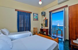 Lucia Hotel, Chania (Byen), triple-room-1-small