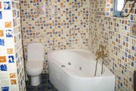 Villa Heights, Stalos, Bathroom