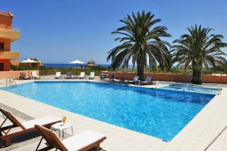 swimming-pool-area-1-carusel