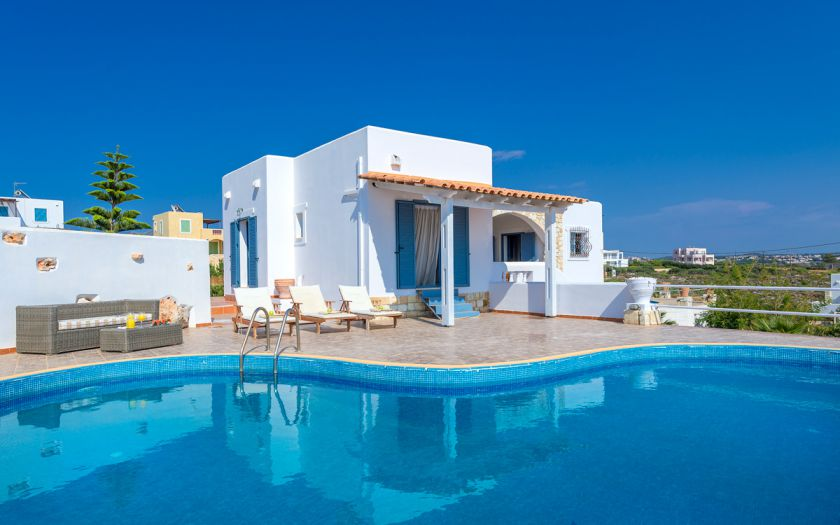 Villa sunlit in tersanas chania for Designhotel kreta