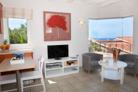 Lofos Village, Agia Marina, Maisonette open plan area