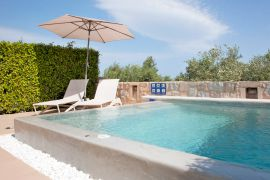 Lofos Village, Agia Marina, Suite, pool area