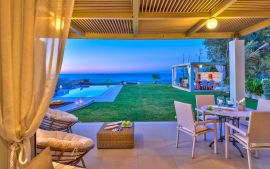 Beachfront Villa, Hersonissos, Courtyard