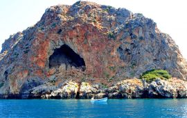Cruises in Chania with Yacht, Chania town, Thodorou Island Tour