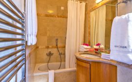 Villas Bali, Bali, Twin bedroom with en-suite bathroom