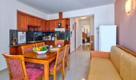 Seaview Apartment, Agia Marina, Open plan seating area with kitchenette