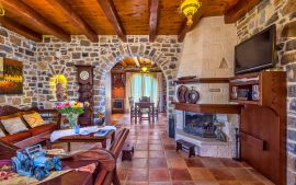 Vamos Villa, Litsarda, Living room with fireplace