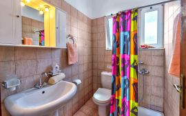 Dina Apartments, Αλμυρίδα, Bathroom with shower
