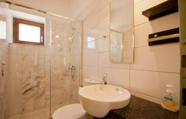 Rodanthi Villa, Κουρνάς, Bathroom in the 3nd bedroom, middle level